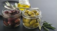 Les olives noires vendues en supermarché sont en réalité des olives vertes colorées ! (Vidéo)