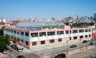 Immeuble New-Yorkais surplombé de verrières