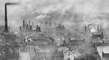 Ville polluée dans un nuage de cendre