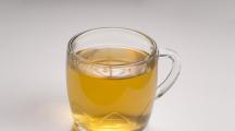 urine dans une tasse : peut-on boire son urine ?