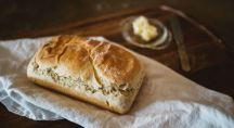 du pain sur une table