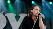 Julien Doré chante contre la tauromachie dans les arènes de Nîmes