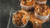 muffins à la patate douce parsemés de graines de courge