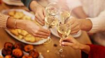 10 conseils bien-être pour gérer les repas de fêtes