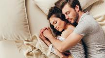 Sommeil à deux : la manière dont vous dormez en dit long sur votre relation