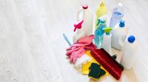 Les produits ménagers toxiques contribuent à polluer l'air.