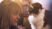 Une femme et son chat