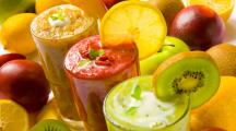 4 recettes de jus et de smoothie pour une peau repulpée
