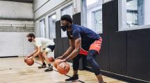 sportifs avec un masque