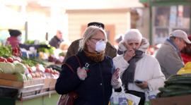 Le port obligatoire du masque se répand dans les centres-villes
