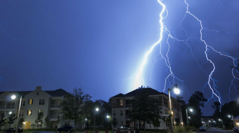 7 gestes à éviter en cas d'orage