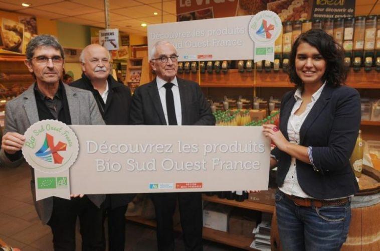 Président de la région Midi Pyrénées présentant le label Bio Sud-Ouest France