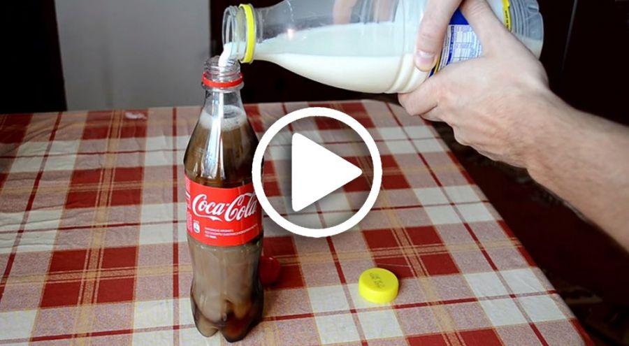 Un bouteil de Coca et un litre de lait sont posés sur une table