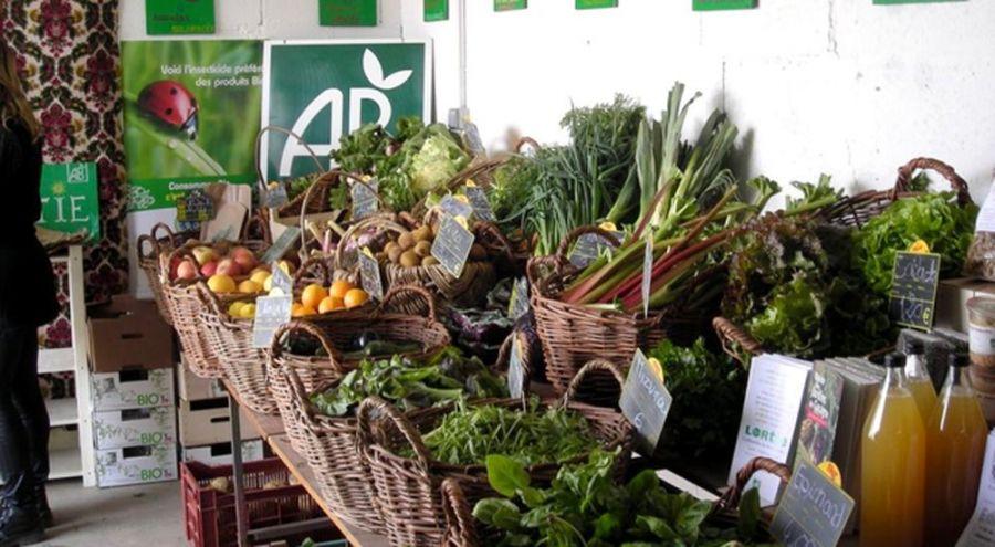 Fruits et légumes sur un étal