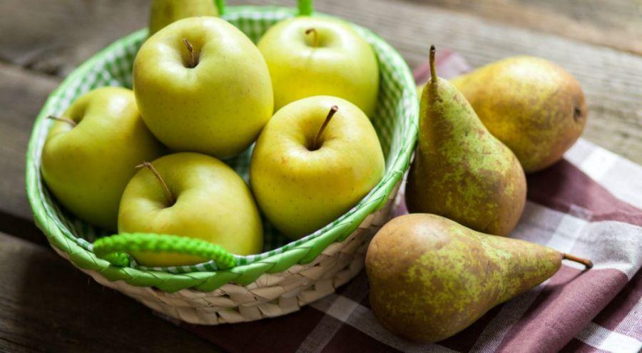 Panier de pommes et de poires