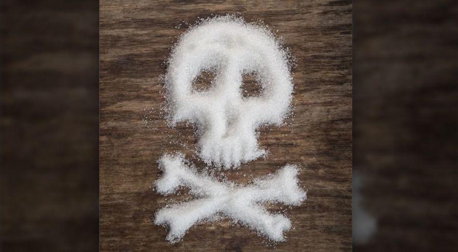 un tête de mort faite en sucre en poudre