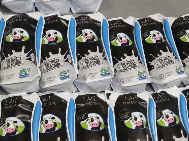 des poches de lait de la marque