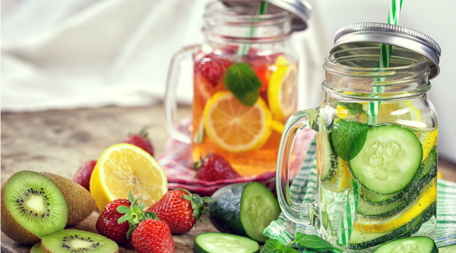 https://cdn.bioalaune.com/img/article/thumb/900x500/36145-detox-water-5-boissons-gourmandes-consommer-sans-moderation.png