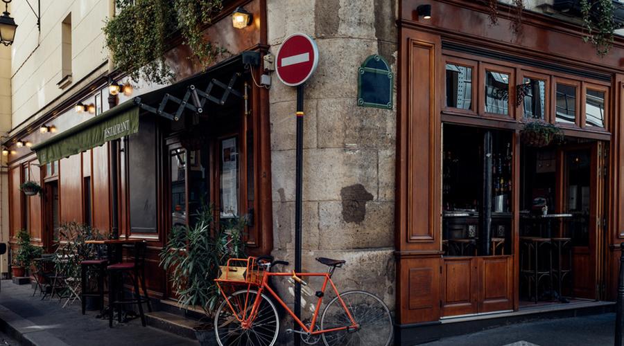 restaurant et vélo à Paris