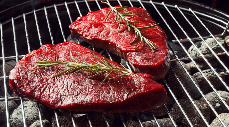 Lutter contre les risques d'endométriose en consommant moins de viande rouge ?
