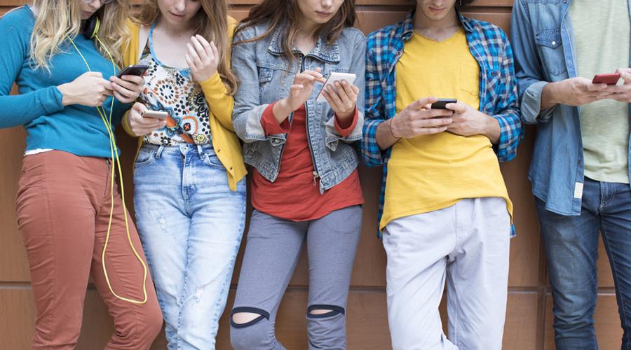 adolescent Smartphone