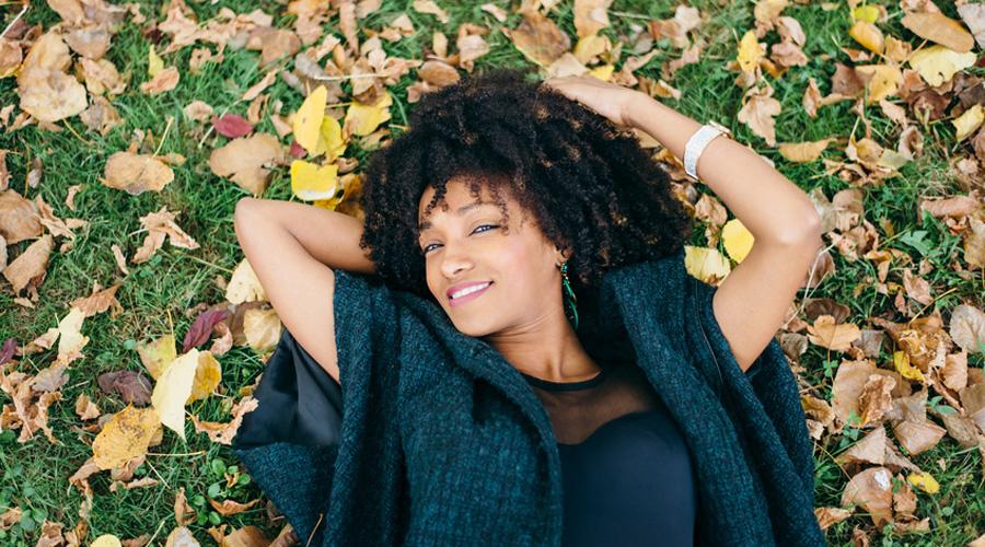 Activité femme en automne