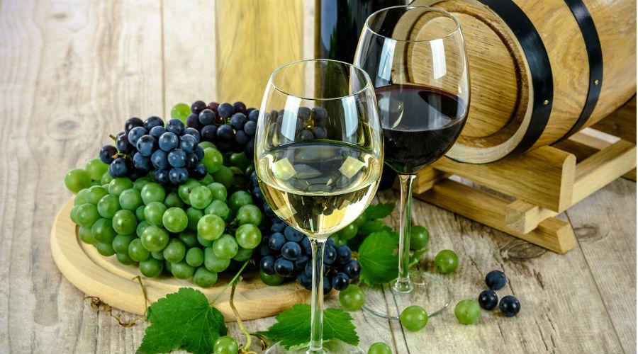 vin rouge et vin blanc