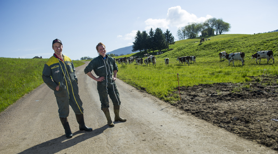 Agriculteurs bio heureux
