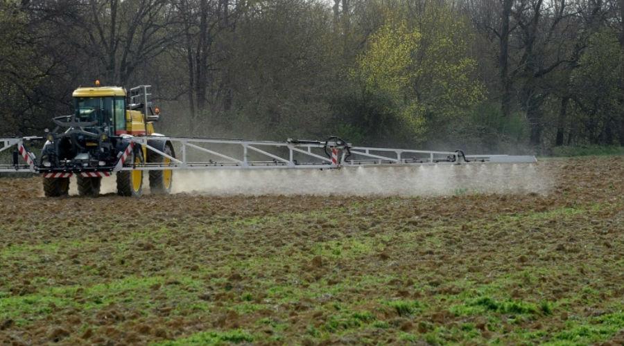 Pesticides dans l'eau : UFC Que choisir veut faire payer les agriculteurs