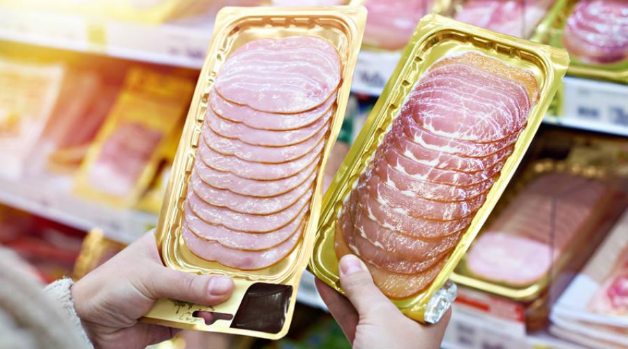 jambon dans des rayons consommateur