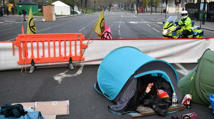 Plus de 100 personnes arrêtées à Londres après des blocages