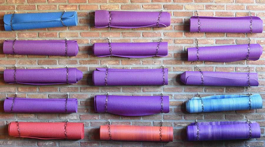 Pilates, yoga, stretching… Quel tapis de sol choisir ?
