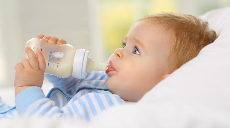 Sifflements respiratoires, allergies alimentaires... les laits hypoallergéniques pointés du doigt