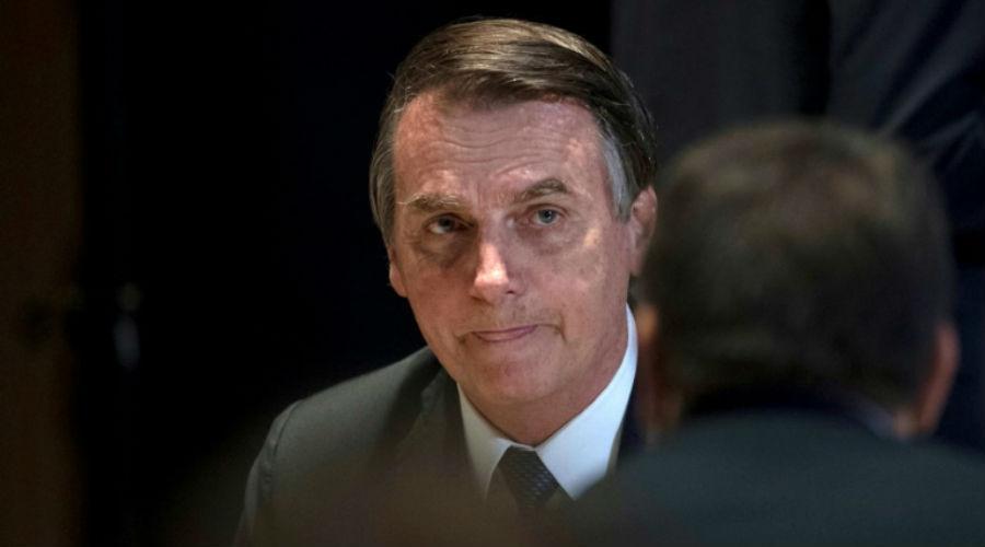 Amazonie : Bolsonaro minimise la gravité des incendies et s'en prend aux médias