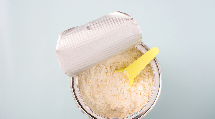 Huiles minérales dans les laits pour bébé : Foodwatch tire la sonnette d'alarme