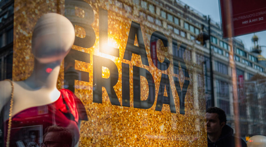Black Friday : manifestations contre Amazon et alternatives vertes déployées