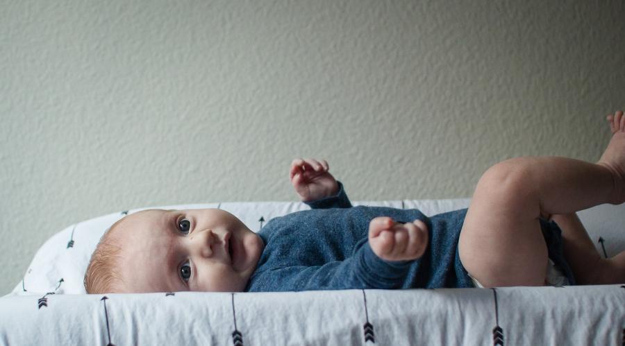 bébé table à langer