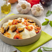 Ravioli boeuf et petits légumes, sauce tomate à l'aubergine